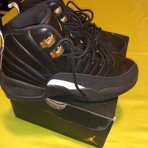 Black&Gold Jordan's men's size 5